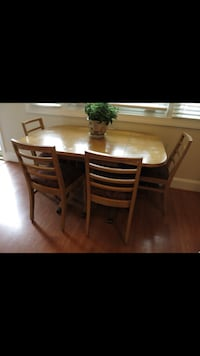 Mid-Century Dining Set in the Heywood-Wakefield Style (table with 2 leaves and 4 chairs) Silver Spring, 20910