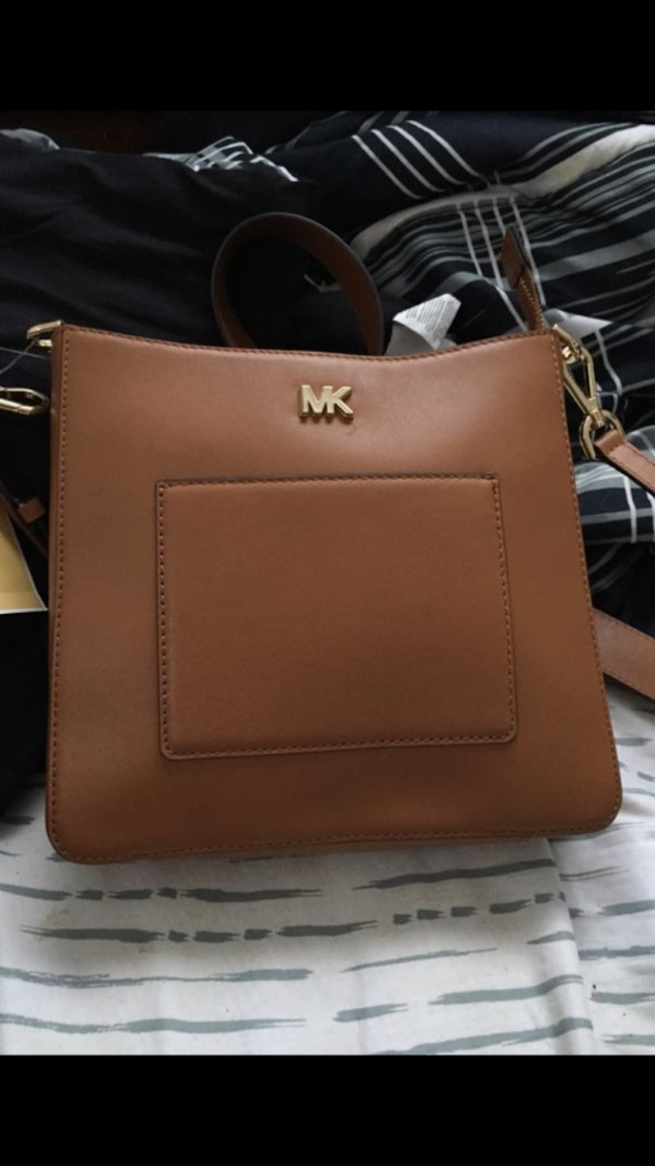 e56e15d7e40e51 Used Michael kors crossbody for sale in Chicago - letgo