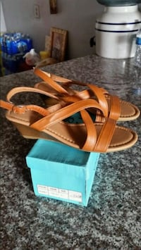 pair of brown leather sandals North Las Vegas, 89032