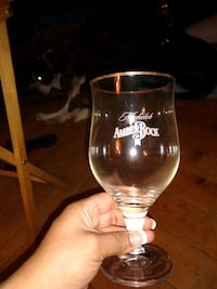 6 never been used Michelob Amberbock gold rimmed beer glasses