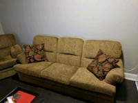 Couch and chair Vaughan, L4L 0B4