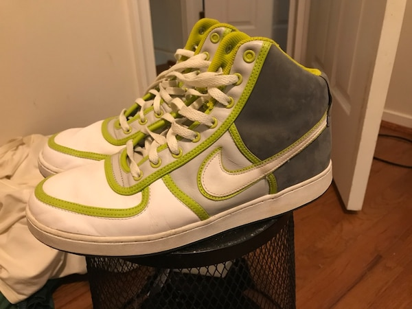 Men's Nike's , size 11.5, gently used .