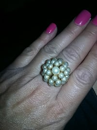 Pearl Cluster ring Green