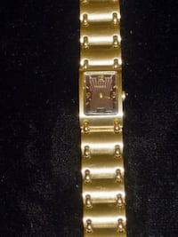 womens fossil f2 watch (heavy gold plating) CALGARY