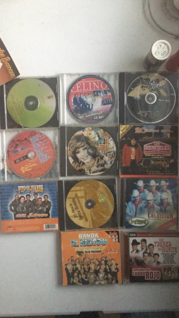 CDs Hispanic songs