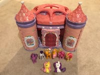 Hasbro - My Little Pony Crystal Rainbow Castle + ponies