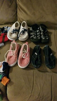 toddler's four pairs of shoes Creswell, 97426