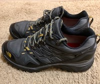 Pair of black-and-gray hiking north face 10.5 1193 mi