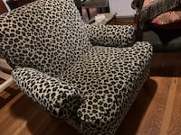 Comfortable Cheetah print chair  Albuquerque, 87102