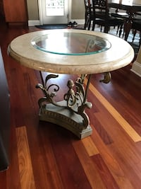 Two side tables Frankfort, 60423