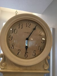 Howard miller grandfather clock. works great. text  [phone number hidden]  for questions. just don't need anymore. runs on batteries chimes are beautiful can turn it off and just use as a clock if you want Sarasota, 34237