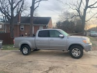 2005 4x4 V8 Double Cab Tundra with Tow Package Annandale