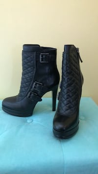 pair of black leather chunky heeled boots District Heights, 20747