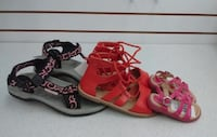 (22) Girls sandals sizes 1 – 7 Youth Etobicoke