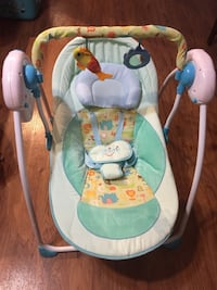 Baby's white and green swing chair Houston, 77075