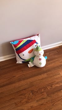 Holiday pillow and stuffed animal Ashburn, 20147