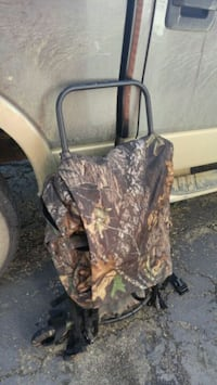 brown and black real tree camouflage backpack Leduc, T9E 5S1