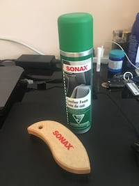 Sonnax premium leather seats conditioner and brush London, N6G 4M4
