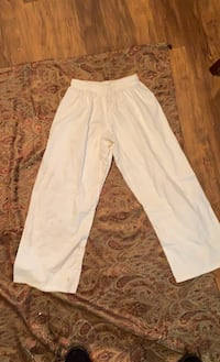 Women/Girl Size 2 Pants Oklahoma City, 73108