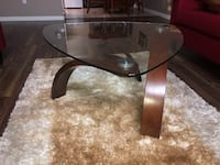 Coffee table with two sides tables in a really good condition like new  3727 km