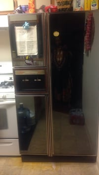 Used but working perfect. Front mirror with water and ice dispenser. Inglewood, 90301