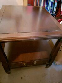 Vintage Delicraft Wood Side/End Table with Drawer Barrie, L4N 9T3