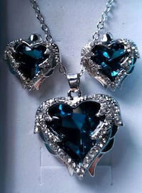 Luxury blue/green angel wings locket necklace and earrings  Baltimore, 21224