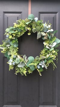 Green and white floral wreath Langley, V3A