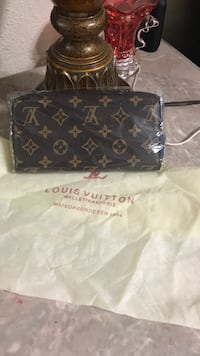 louis vuitton leather wallet Euless, 76039