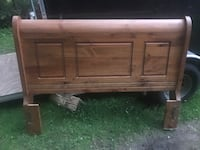 Queen size sleigh style bed in pine North Dumfries, N0B 1E0
