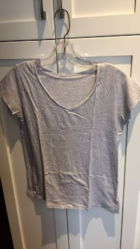 Gray T-shirt size small wrinkled from being folded London, N6B