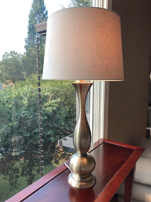 1 Large Brass Table Lamp With Taupe Shade Usage A Vendre A Orinda
