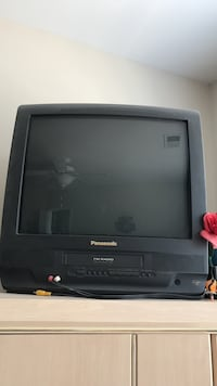 Panasonic tv with built in vcr. Old but works brand new Hyattsville, 20782
