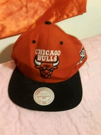 red and black Chicago Bulls fitted cap Los Angeles, 91331