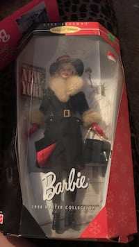1998 Winter Collection Barbie doll with box Charleston, 25312