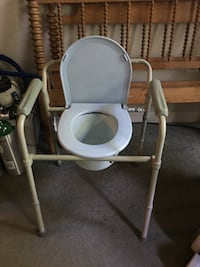 Potty chair-never used  Burke, 22015