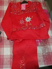 Red girls outfit size 4 Brampton, L6V 3X1
