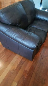 Leather sofa. NEW! MUST SELL! Montreal, H2L