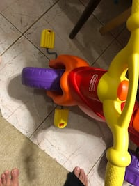Toddler's red and yellow trike Burke, 22015