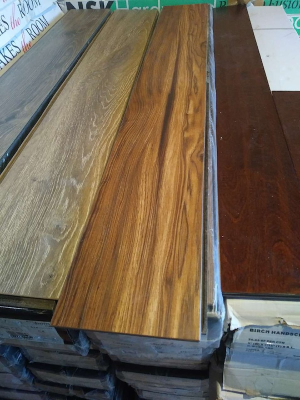 Used 120sf Calypso Whiskey Laminate Flooring For Sale In Portland
