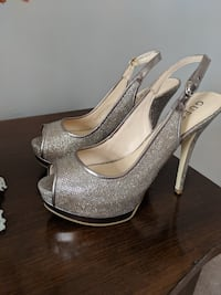 Guess shoes Newmarket