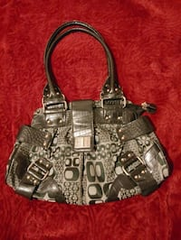 LADIES PURSE St. Thomas, N5P 1H9