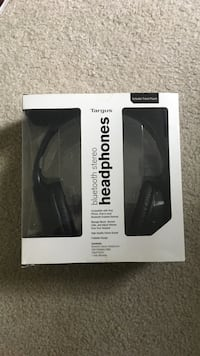 Black targus bluetooth wireless headphones