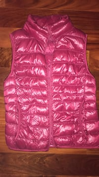 Uniqlo down vest Oldsmar, 34677