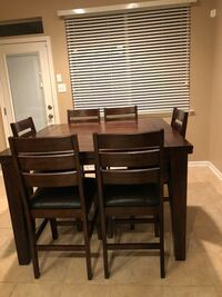 High table 6 seats. Like new. Year old   Conroe, 77385