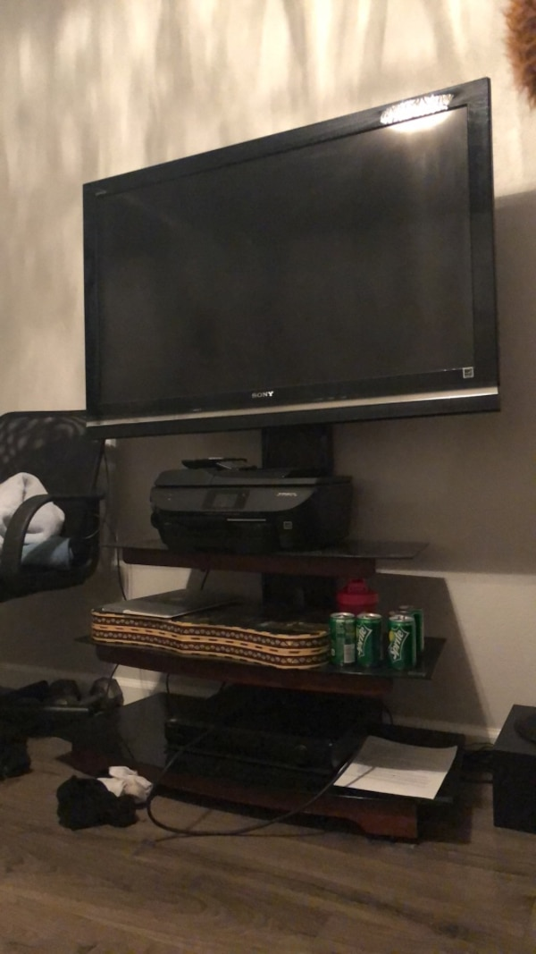 Used Sony Bravia Tv With Stand For Sale In Pleasanton Letgo