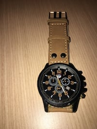 Lian DU watch Toronto, M4M 2N2