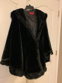 New with tags woman's shawl coat Suffolk, 23435