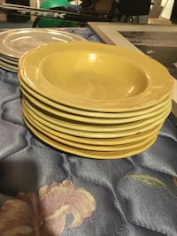 Kitchen plate set yellow and white Rockville, 20850