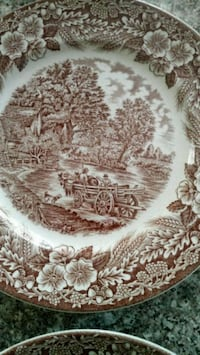 Antique plates very beautiful set of four.  Courtice, L1E 2H2